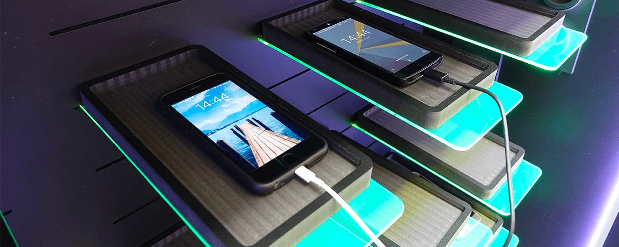 cash repair recrute r parateur de smartphone tablette. Black Bedroom Furniture Sets. Home Design Ideas